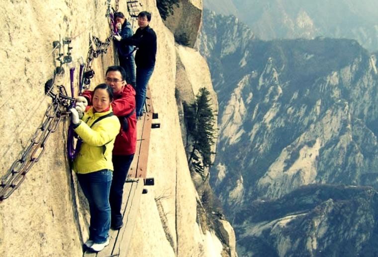 Mt Huashan plank walk